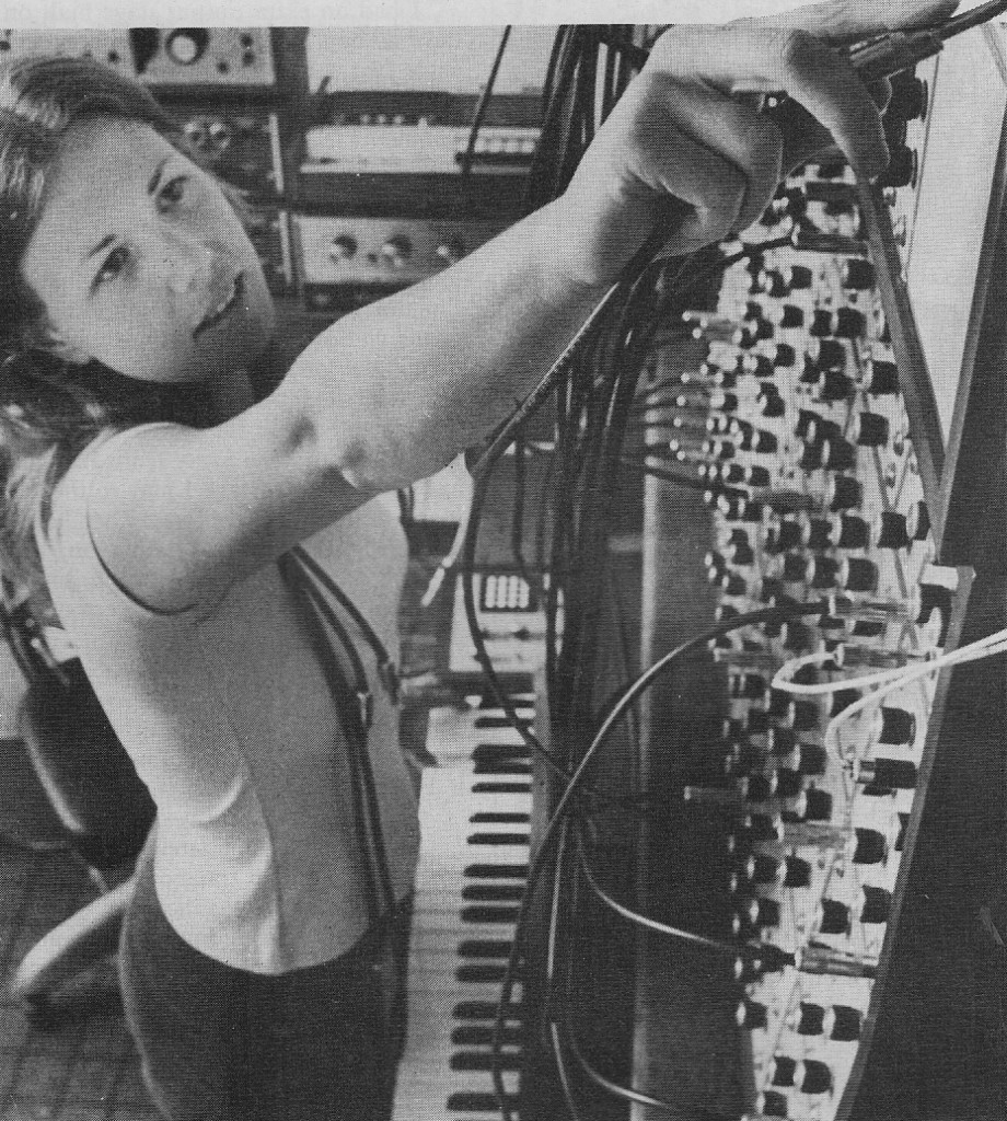Modular_Synth_Lady_1978
